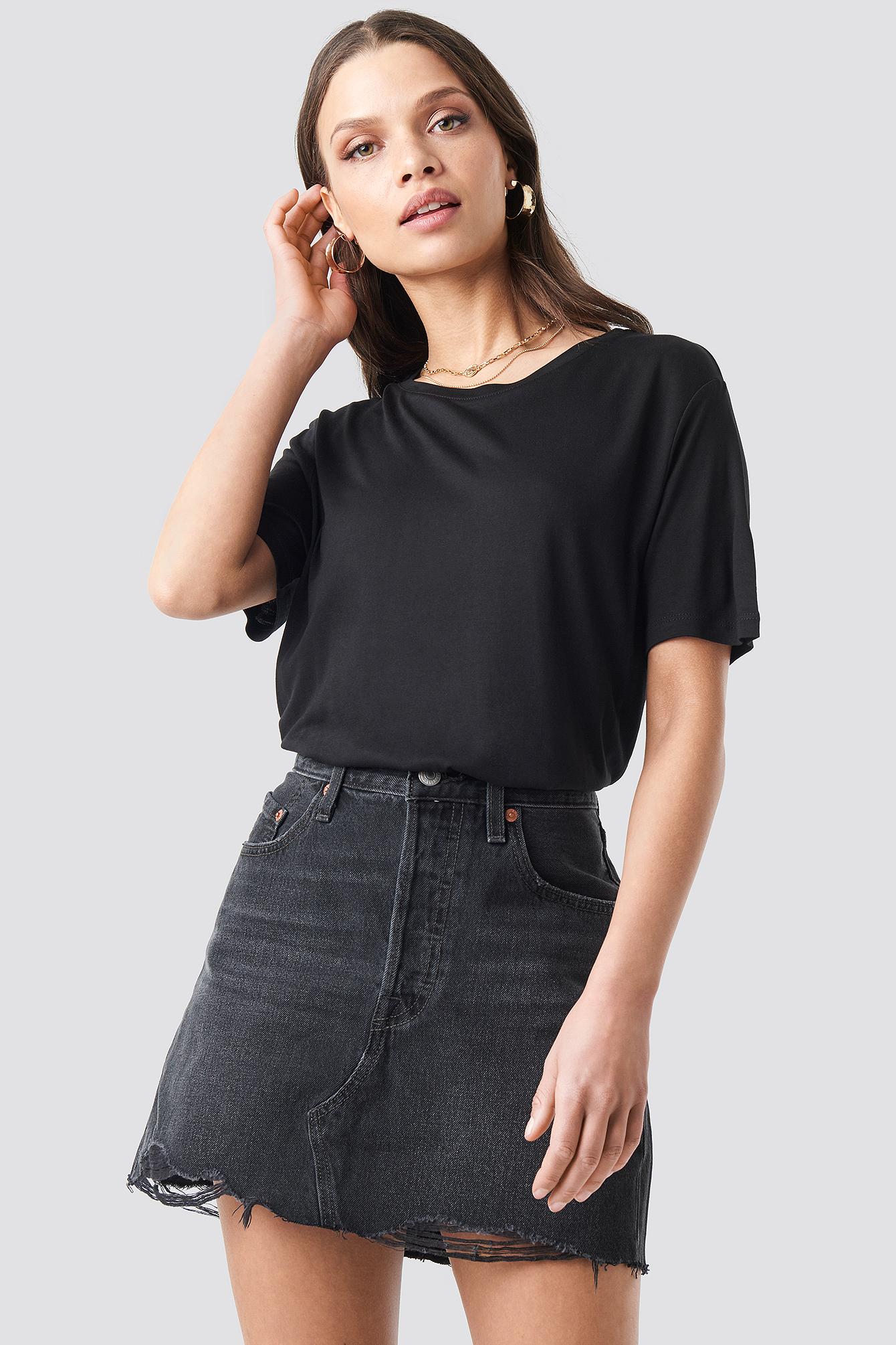 T-shirt basic z okrągłym dekoltem NA-KD.COM