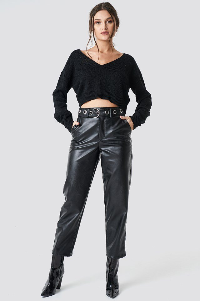 V-neck Cropped Knitted Sweater Black