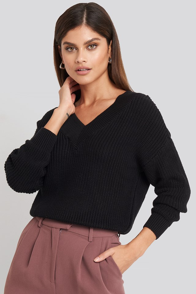 V-Neck Wide Rib Knitted Sweater Black
