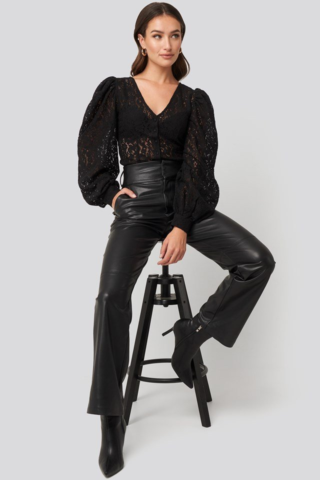 Volume Puffy Sleeve Lace Blouse Black
