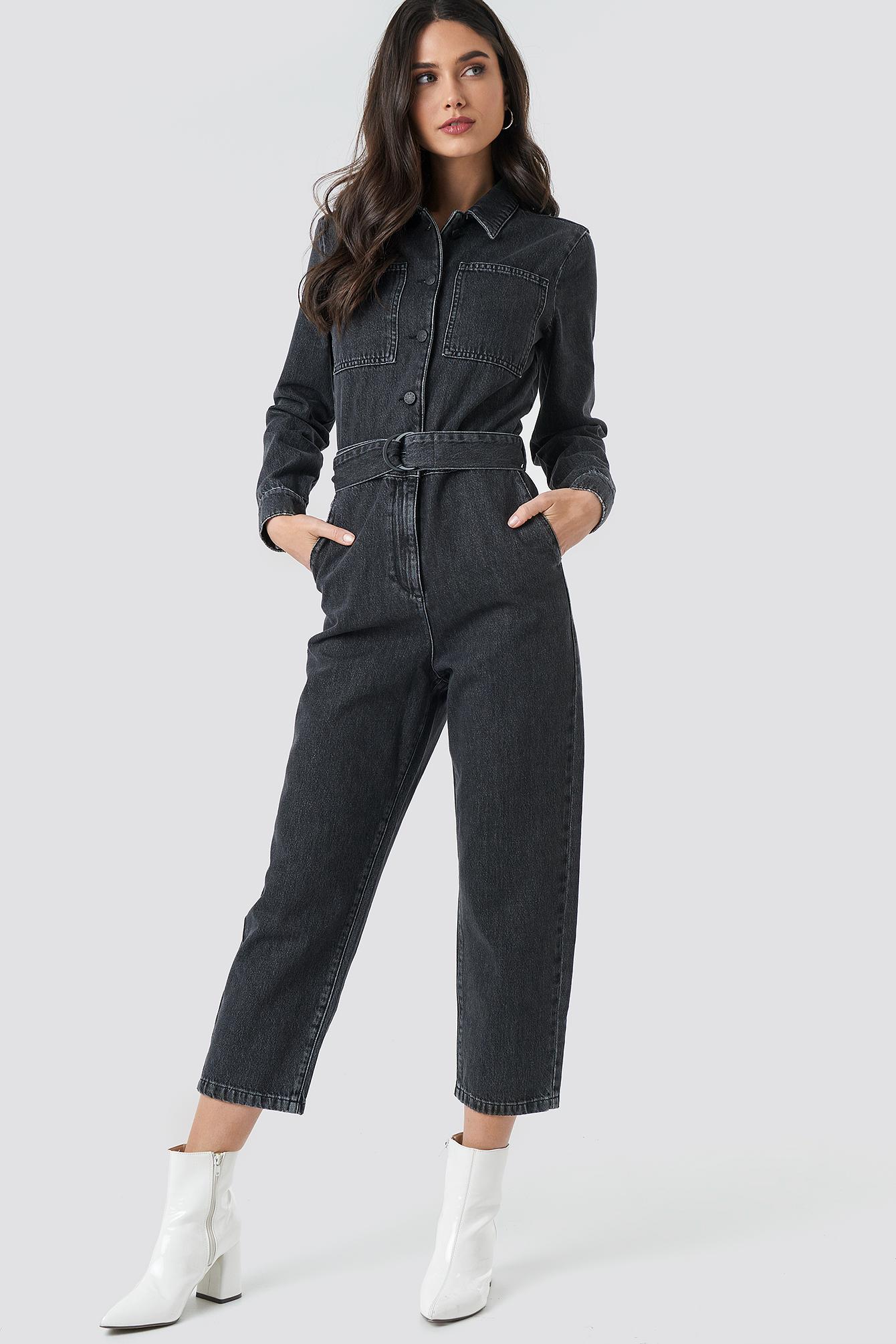 na-kd trend -  Jeans-Jumpsuit Mit Gürtel In Der Taille - Black