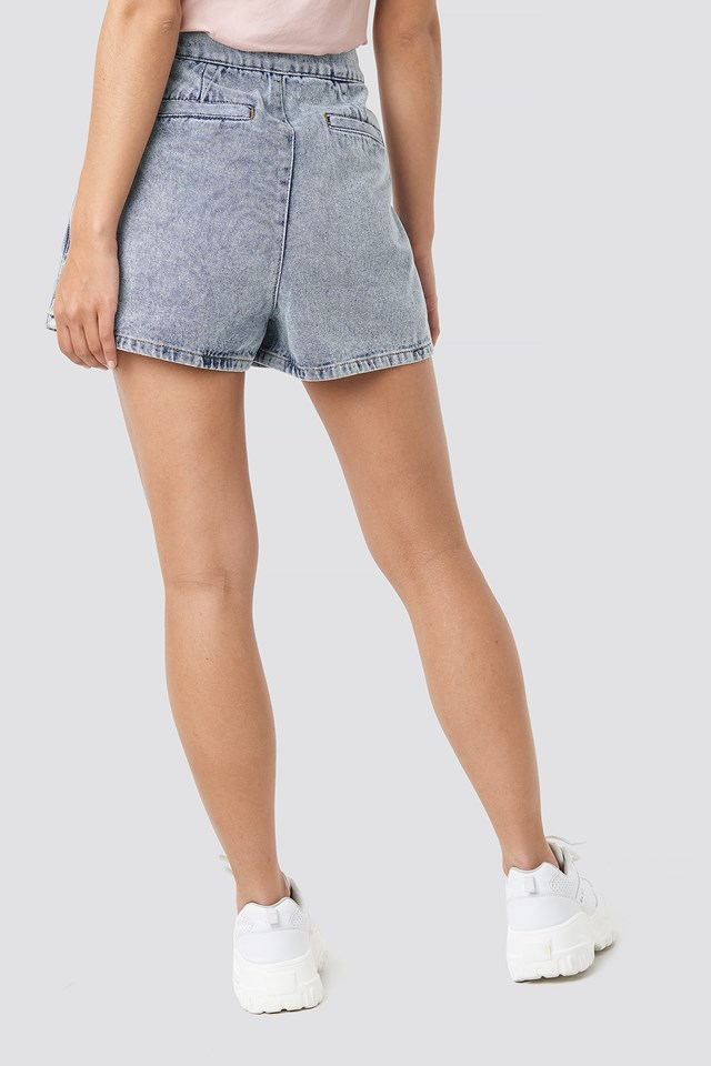 Western Denim Shorts Light Blue Wash