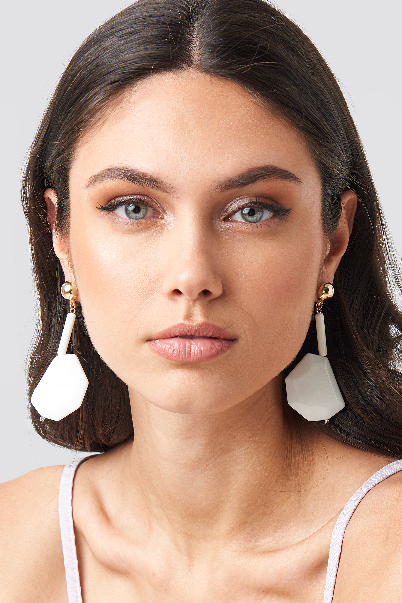 White Stone Drop Earrings NA-KD.COM
