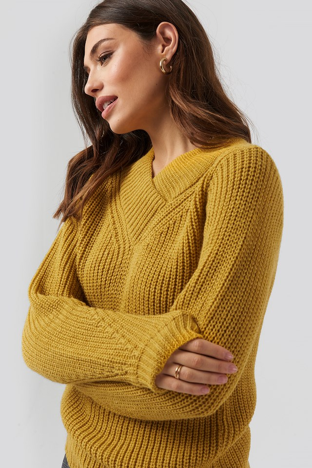Wide Band V-Neck Ribbed Sweater Yellow