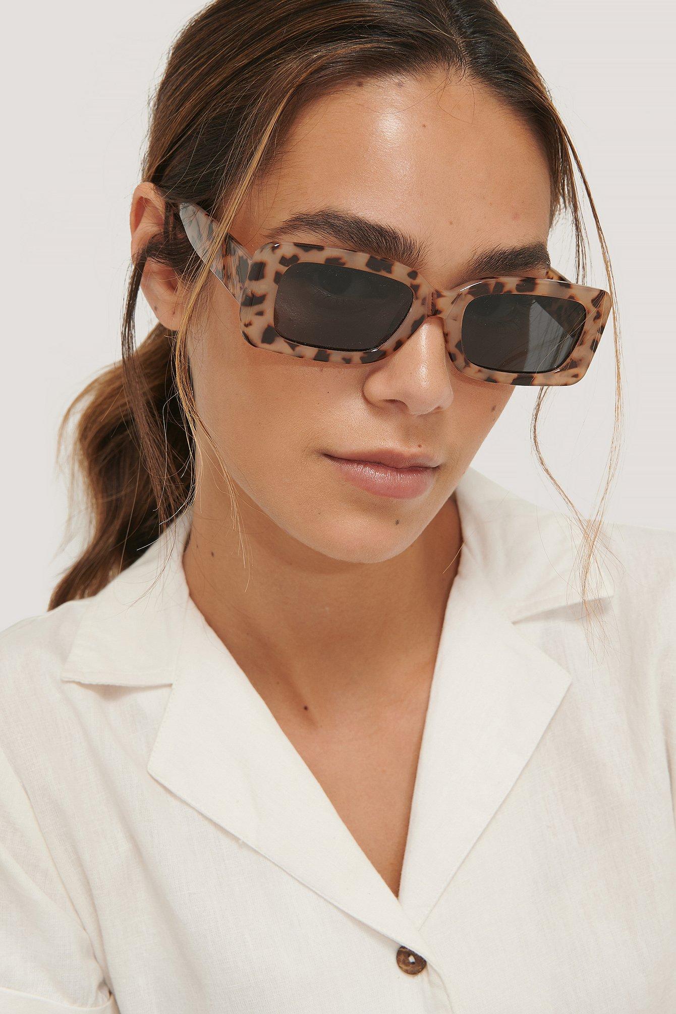 NA-KD Accessories Sonnenbrille Mit Breitem Rahmen - Brown   Accessoires > Sonnenbrillen > Sonstige Sonnenbrillen   NA-KD Accessories