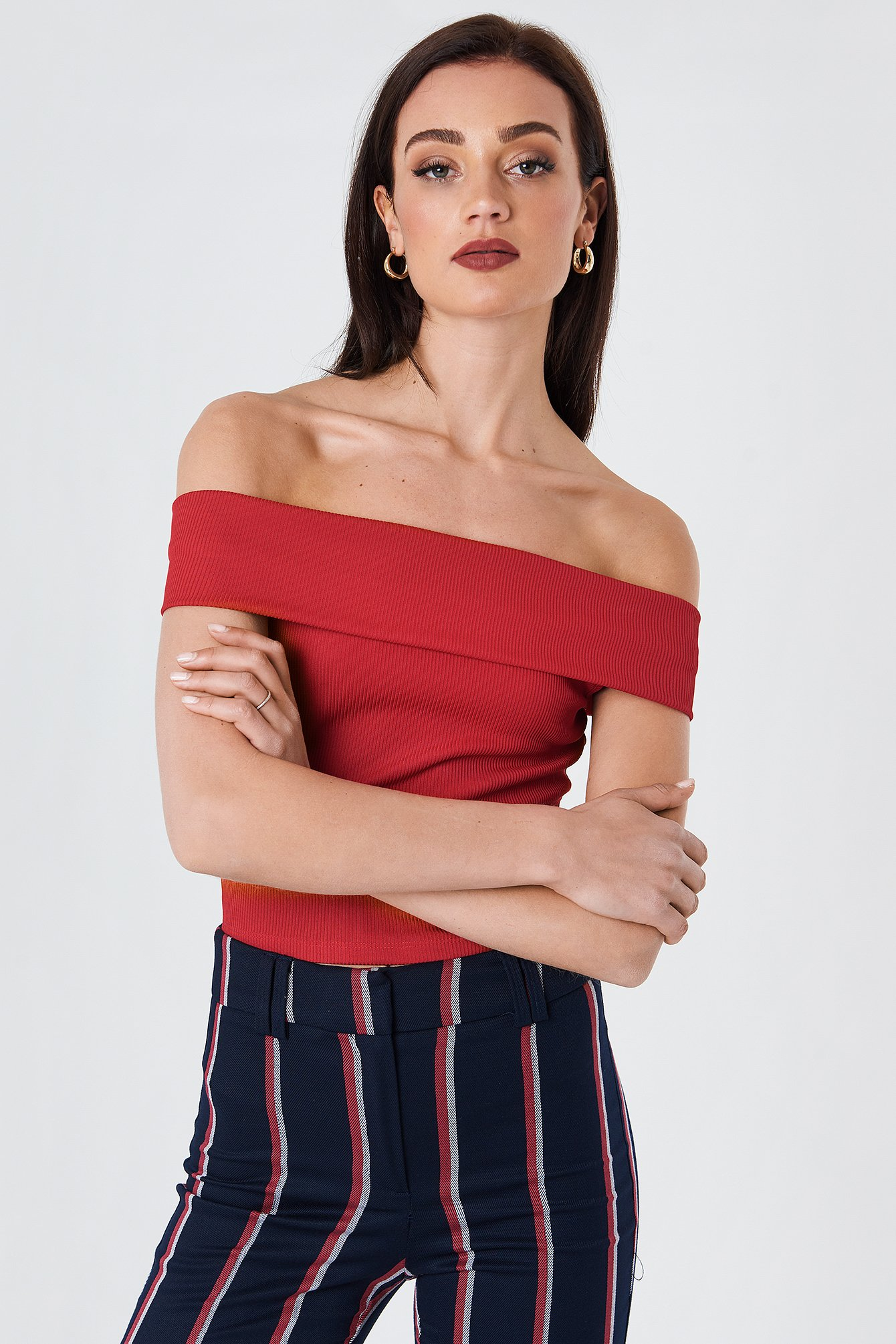 na-kd -  Wide Off Shoulder Cropped Top - Red