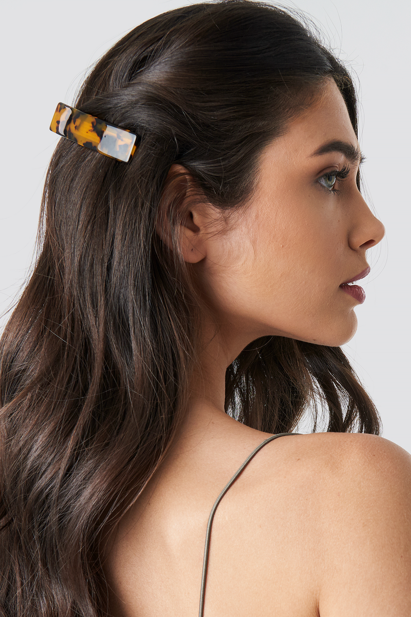 na-kd accessories -  Wide Resin Hair Clip - Brown