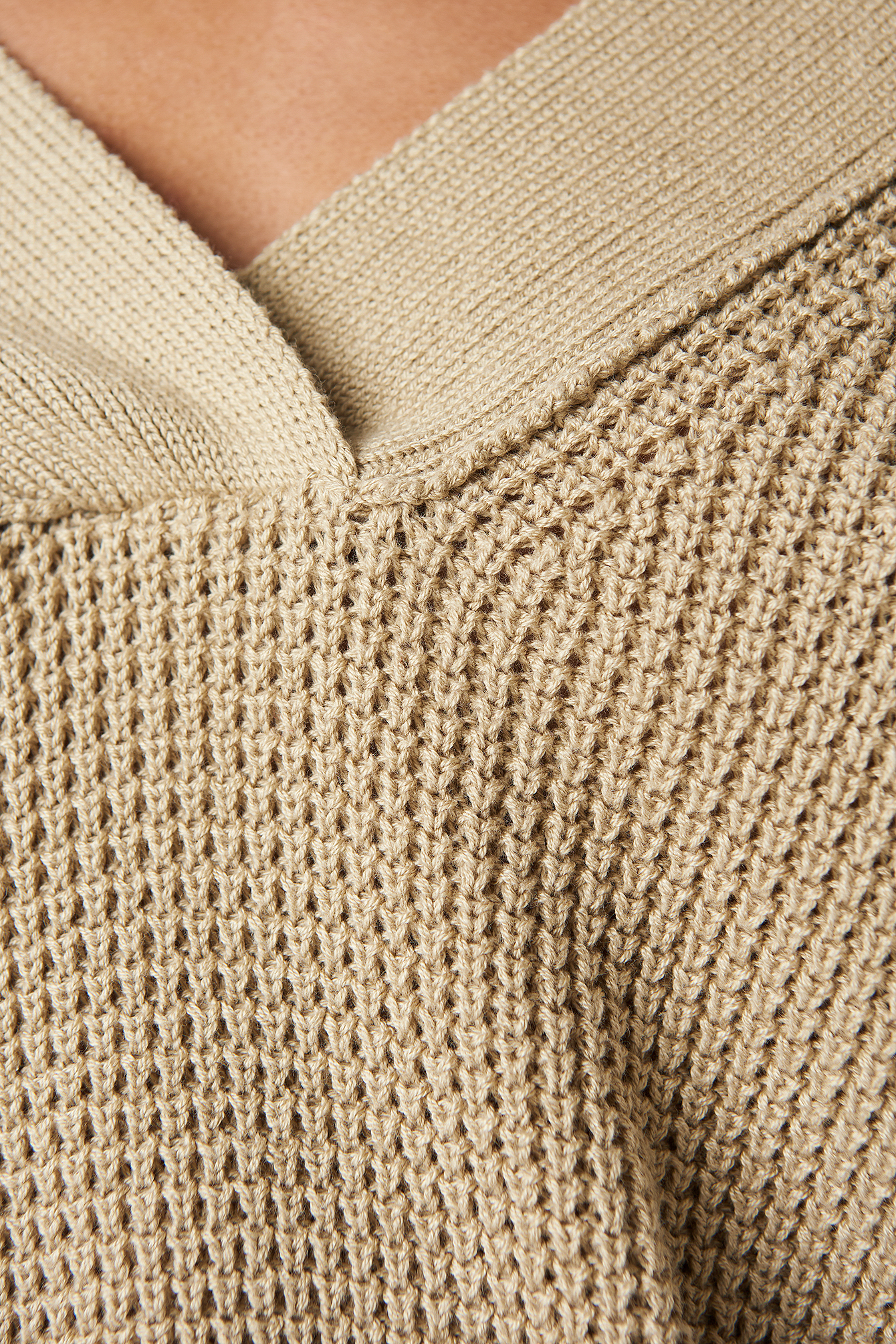 Wide Rib V-neck Knitted Sweater  NA-KD.COM