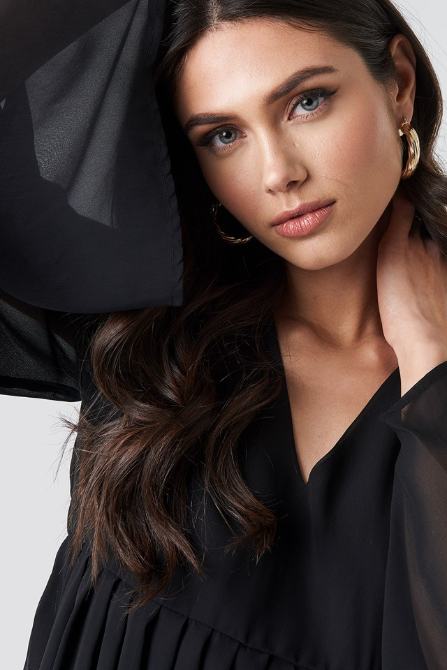 Wide Sleeve Flowy Chiffon Dress Black