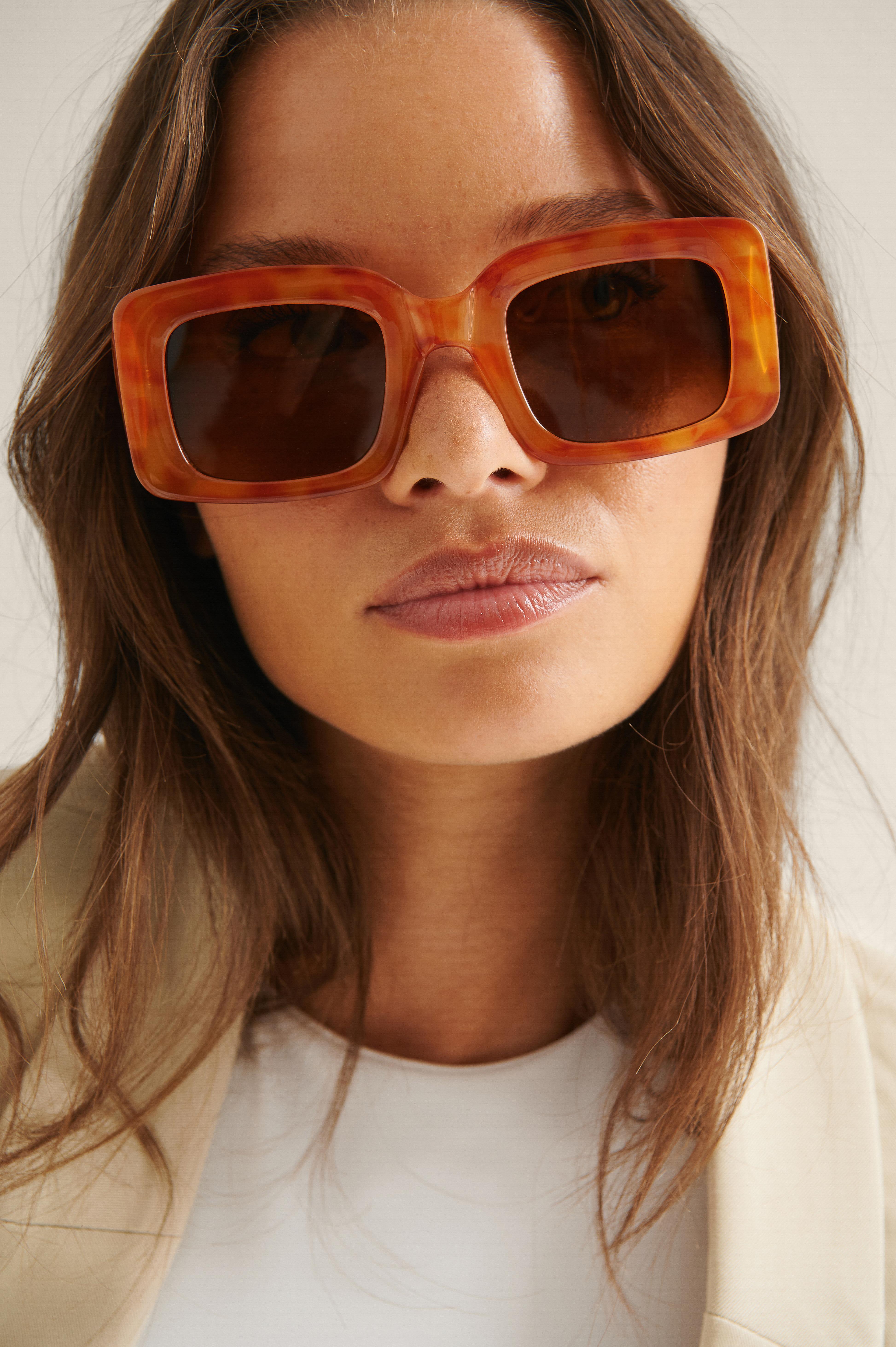 na-kd accessories -  Eckige Weite Sonnenbrille - Brown
