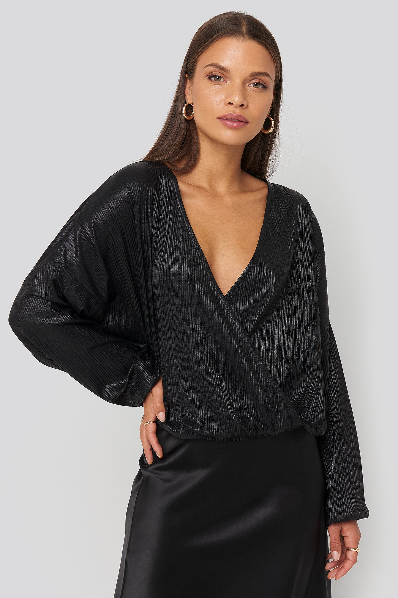 na-kd party -  Wrap Front Plisse Batwing Sleeve Blouse - Black