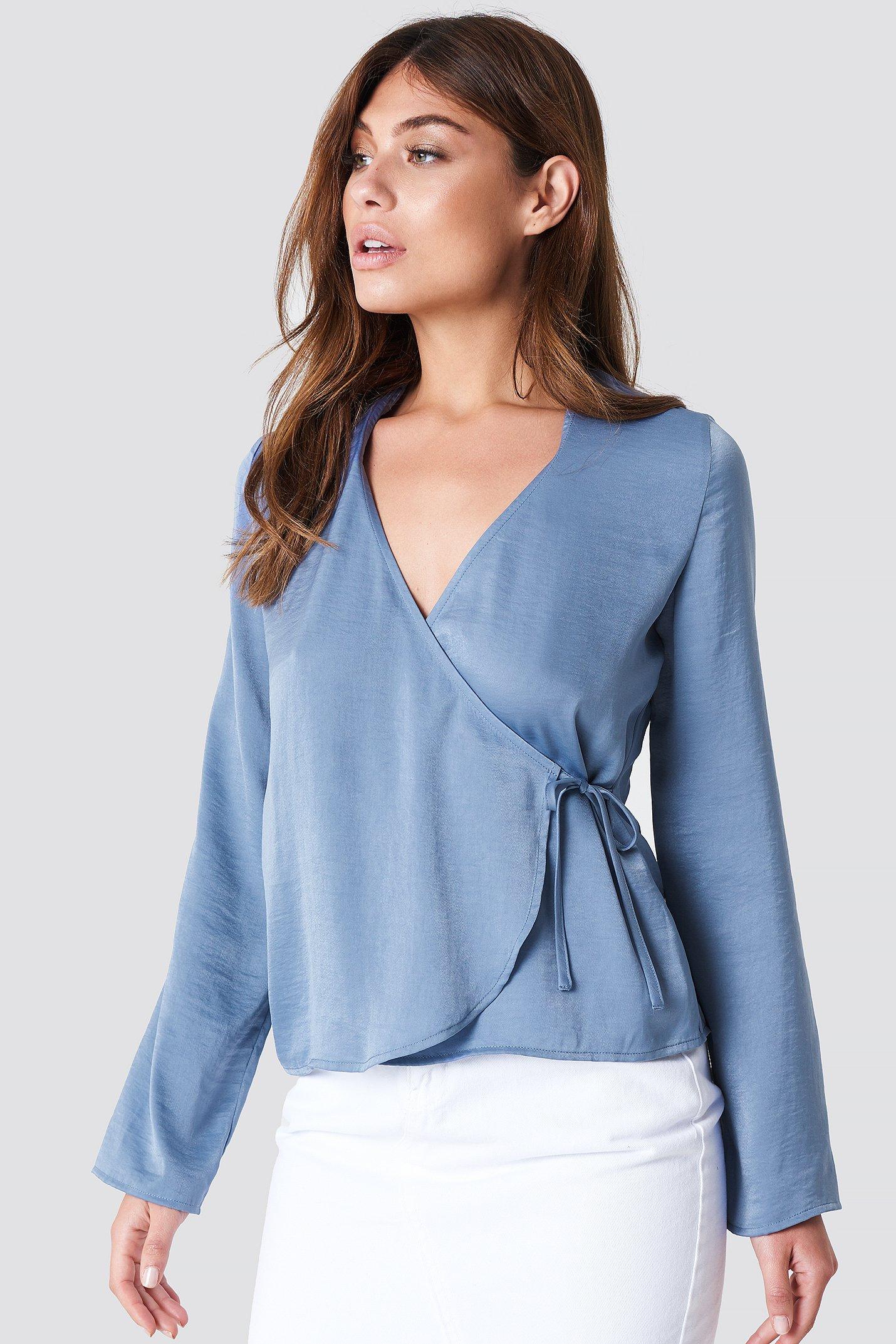 na-kd -  Wrap Over Satin Shirt - Blue