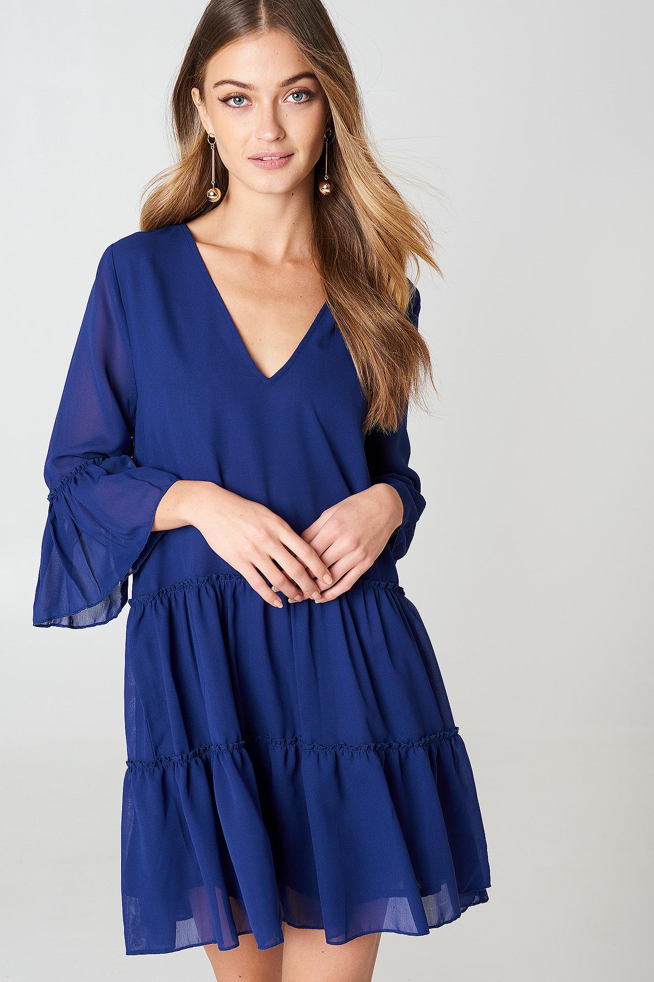 Sukienka mini z dekoltem V NA-KD.COM