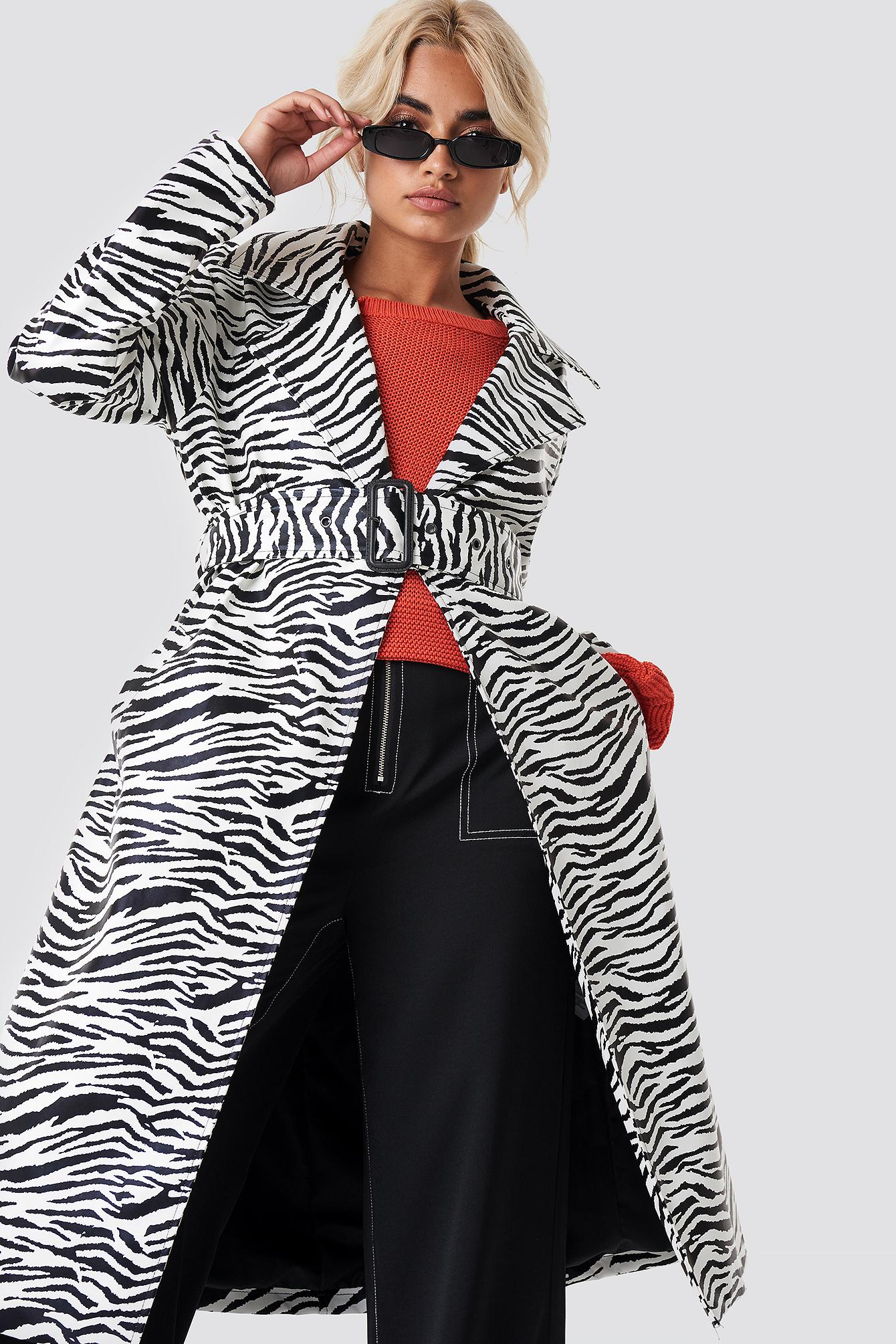 na-kd trend -  Zebra Patent Coat - Multicolor