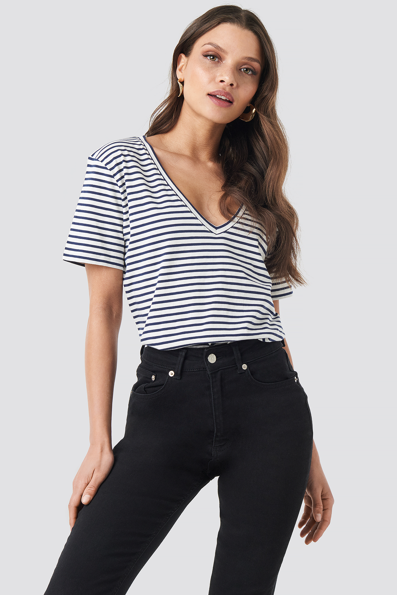 Cotton Striped V-neck Tee NA-KD.COM