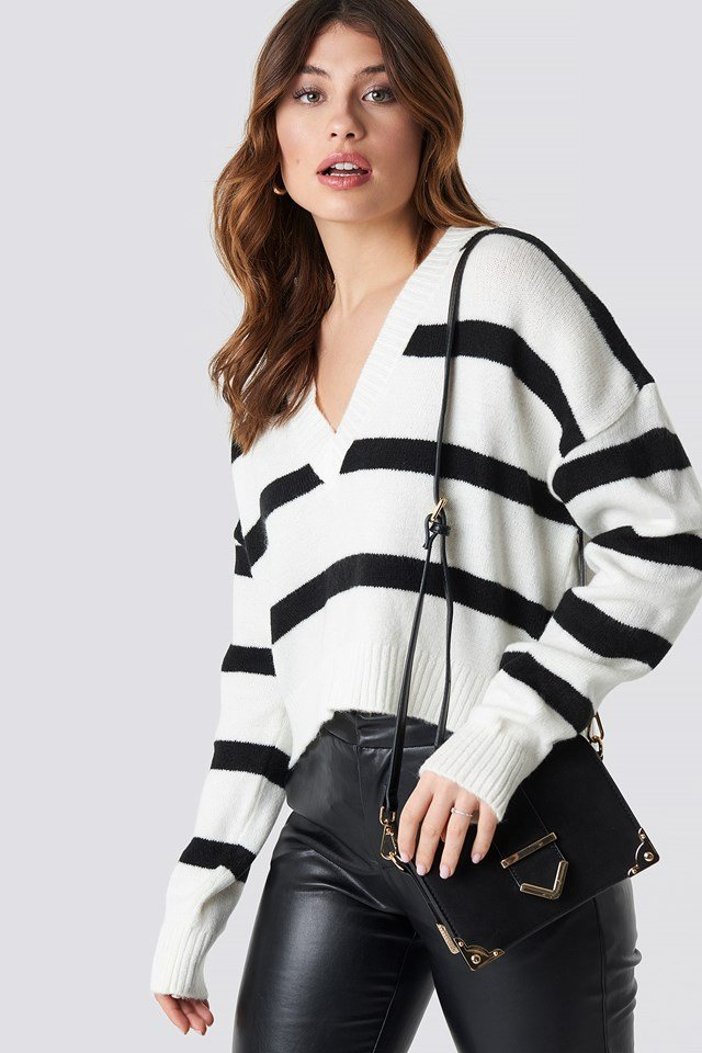 Pinstriped V-neck Knitted Sweater White