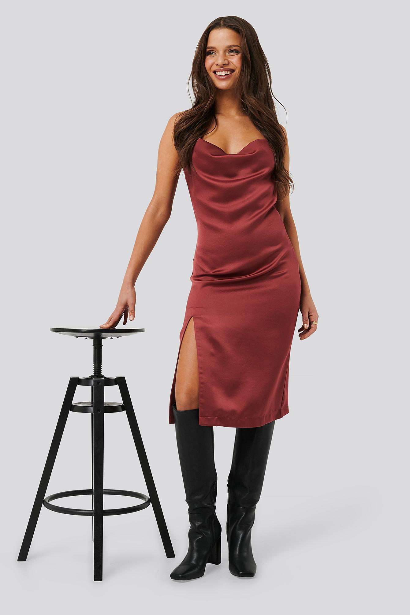 nicci hernestig x na-kd -  Satin Slit Dress - Red
