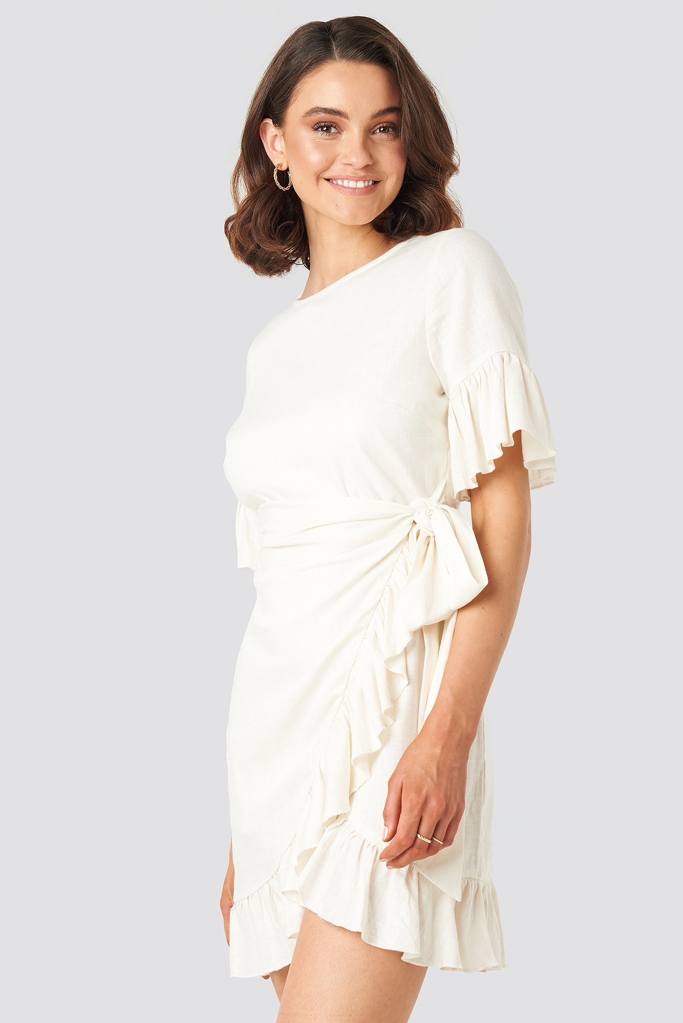 Queen Of Jetlags X Na-kd Linen Mix Frill Detailed Dress White In Off White