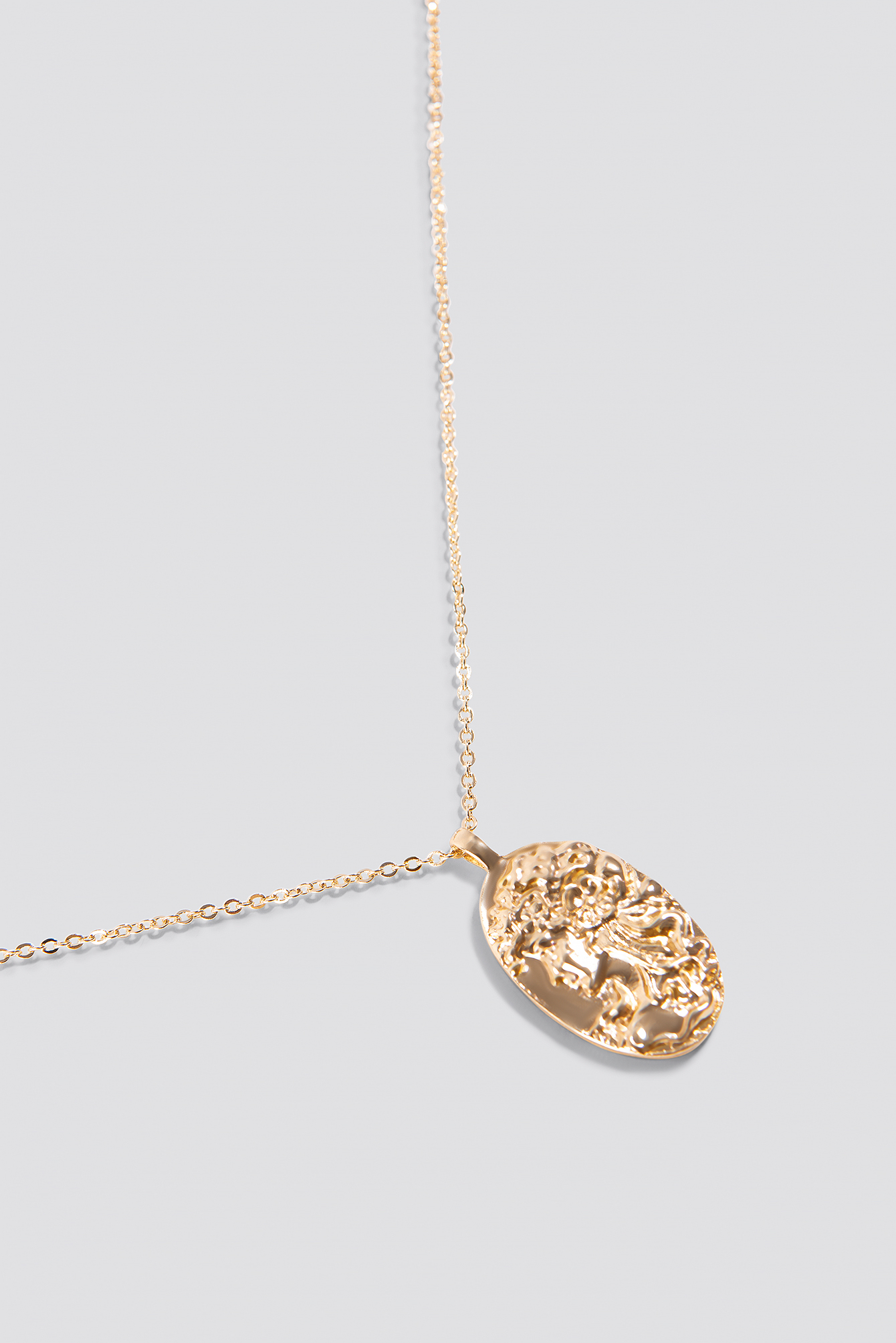 Oval Shaped Coin Necklace NA-KD.COM