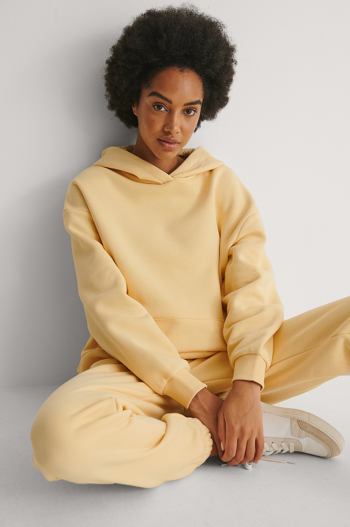 NA-KD Trend Økologisk Hættetrøje I Overstørrelse Med Lomme - Yellow