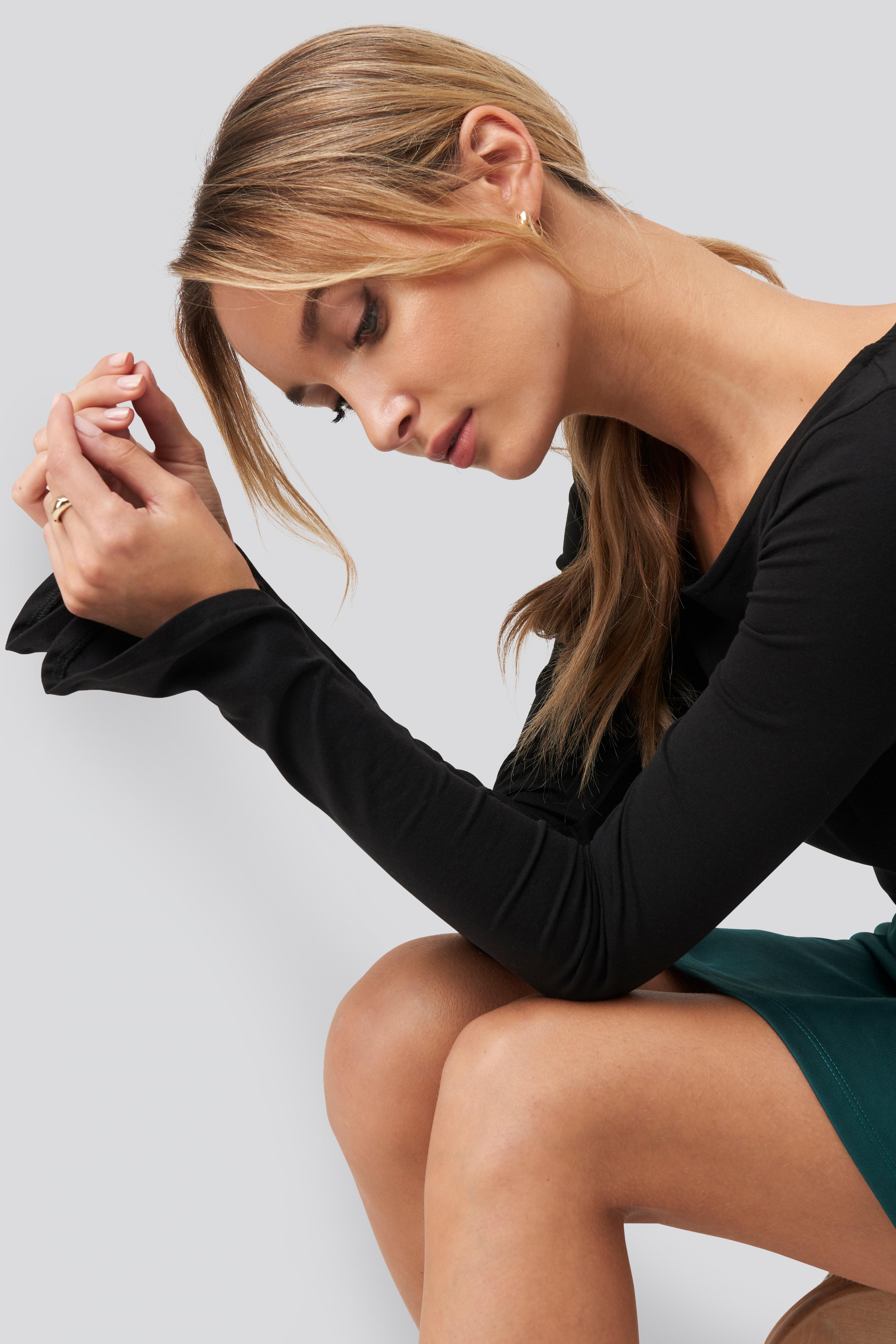 Pamela x NA-KD Reborn Langærmet Croptop Med Bådudskæring - Black