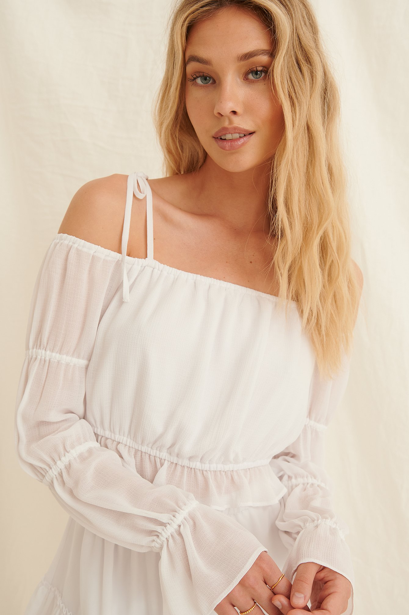 White Recycled Off Shoulder-blus