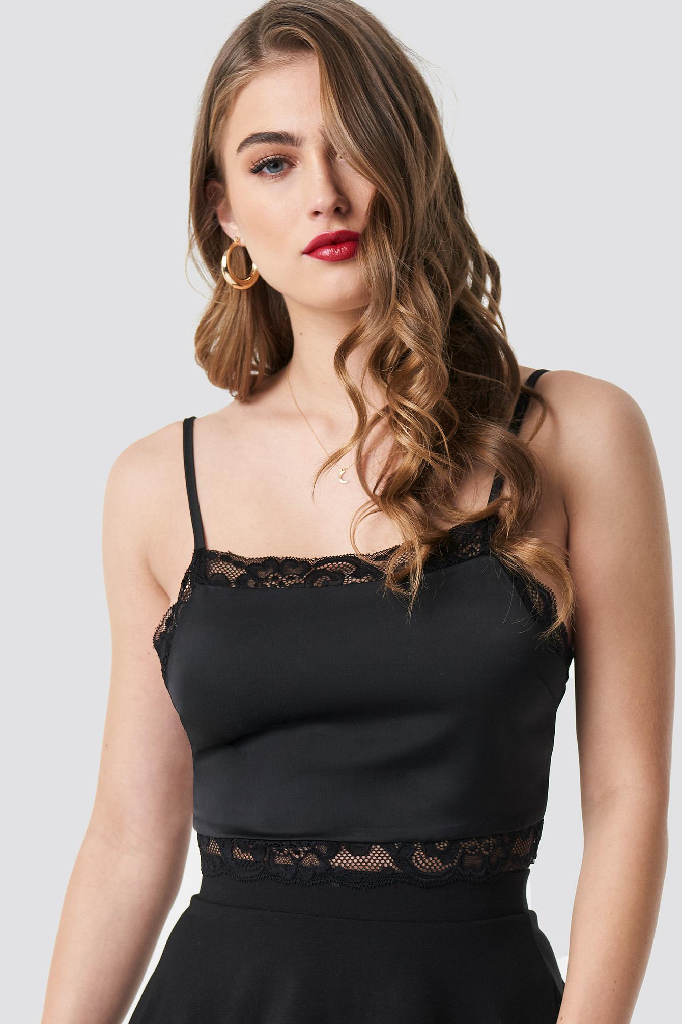 Cropped Lace Singlet NA-KD.COM
