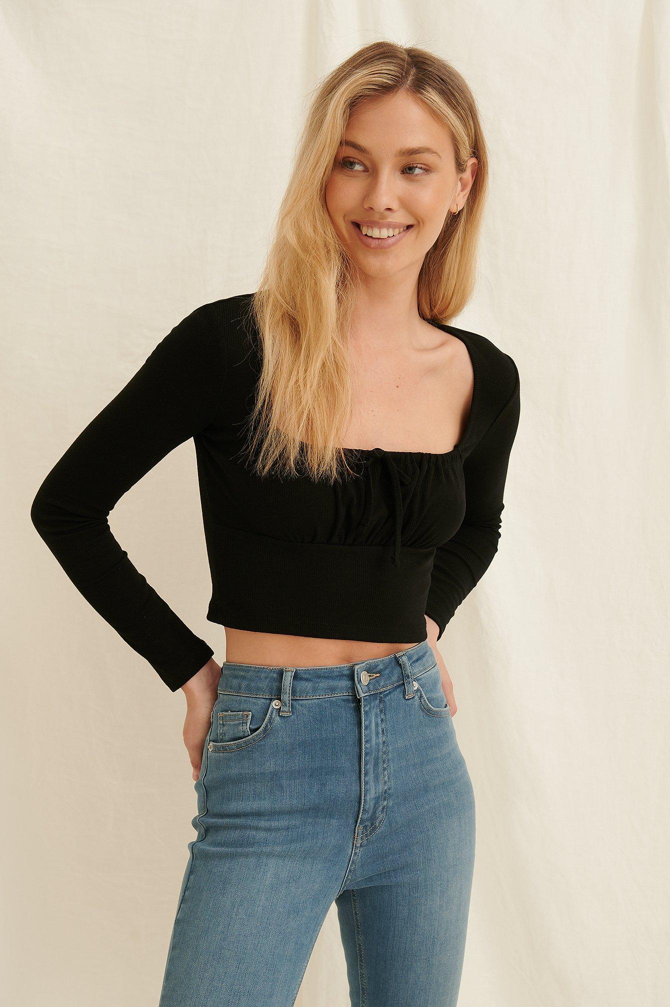 Pamela x NA-KD Reborn Top Med Rynket Frontbinding I Genanvendt Materiale - Black