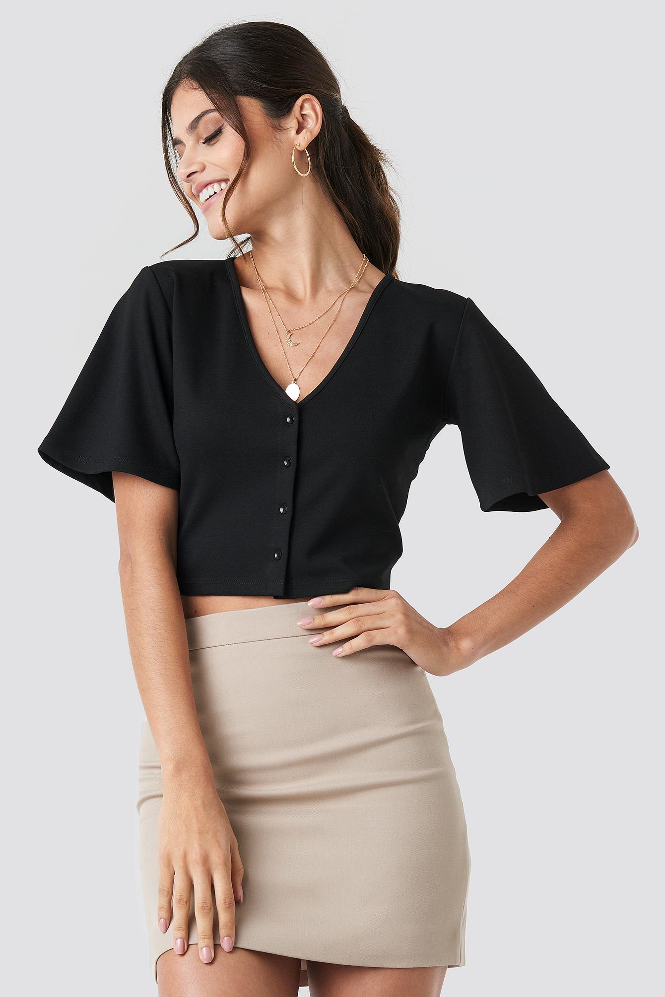 Buttoned Crop T-shirt NA-KD.COM
