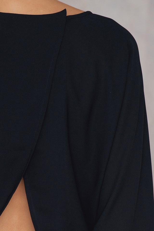 Back Overlap Knot Top Black