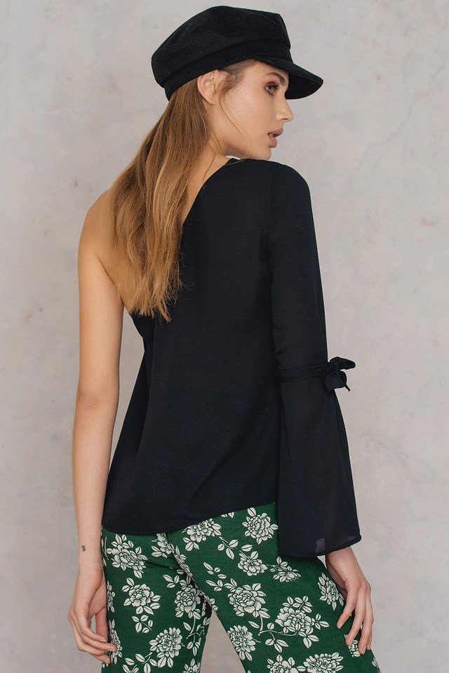 One Sleeve Knot Top Black
