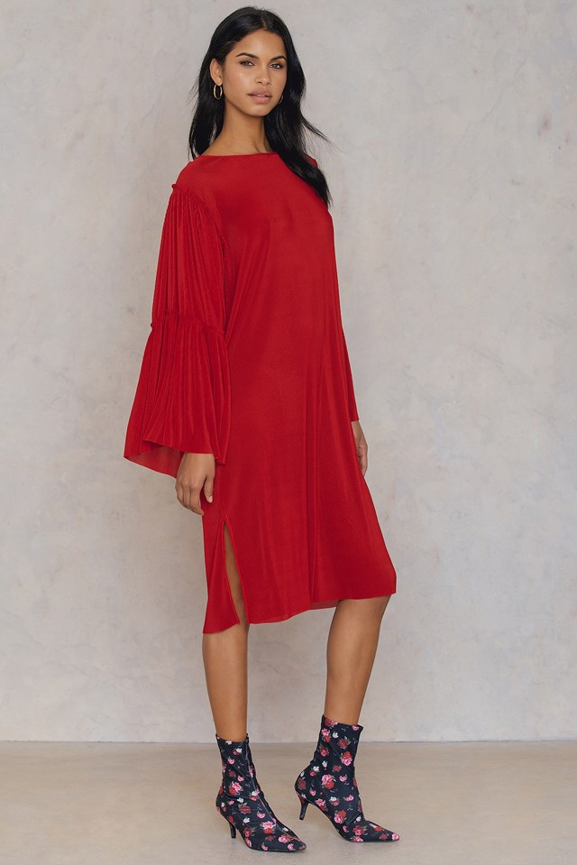 Plisse Wide Sleeve Dress Red