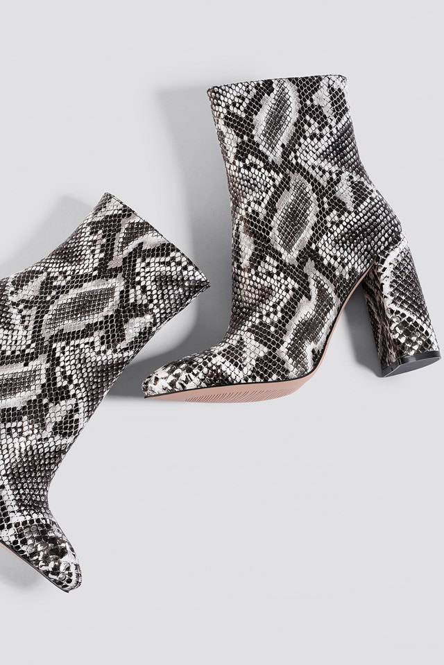 Meadow Ankle Boot Black/White Snake PU