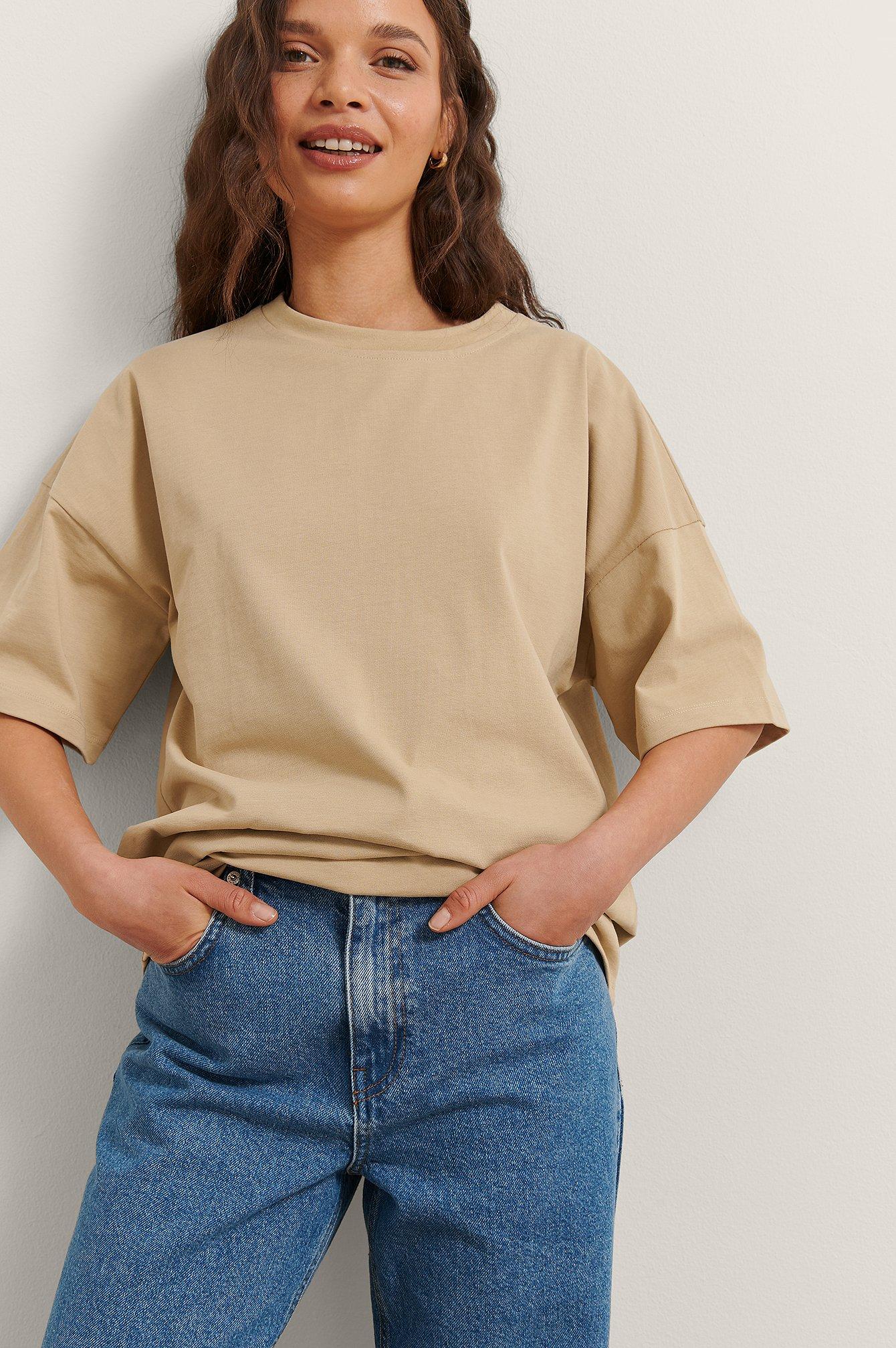 Rianne Meijer x NA-KD Økologisk Basic T-skjorte - Beige