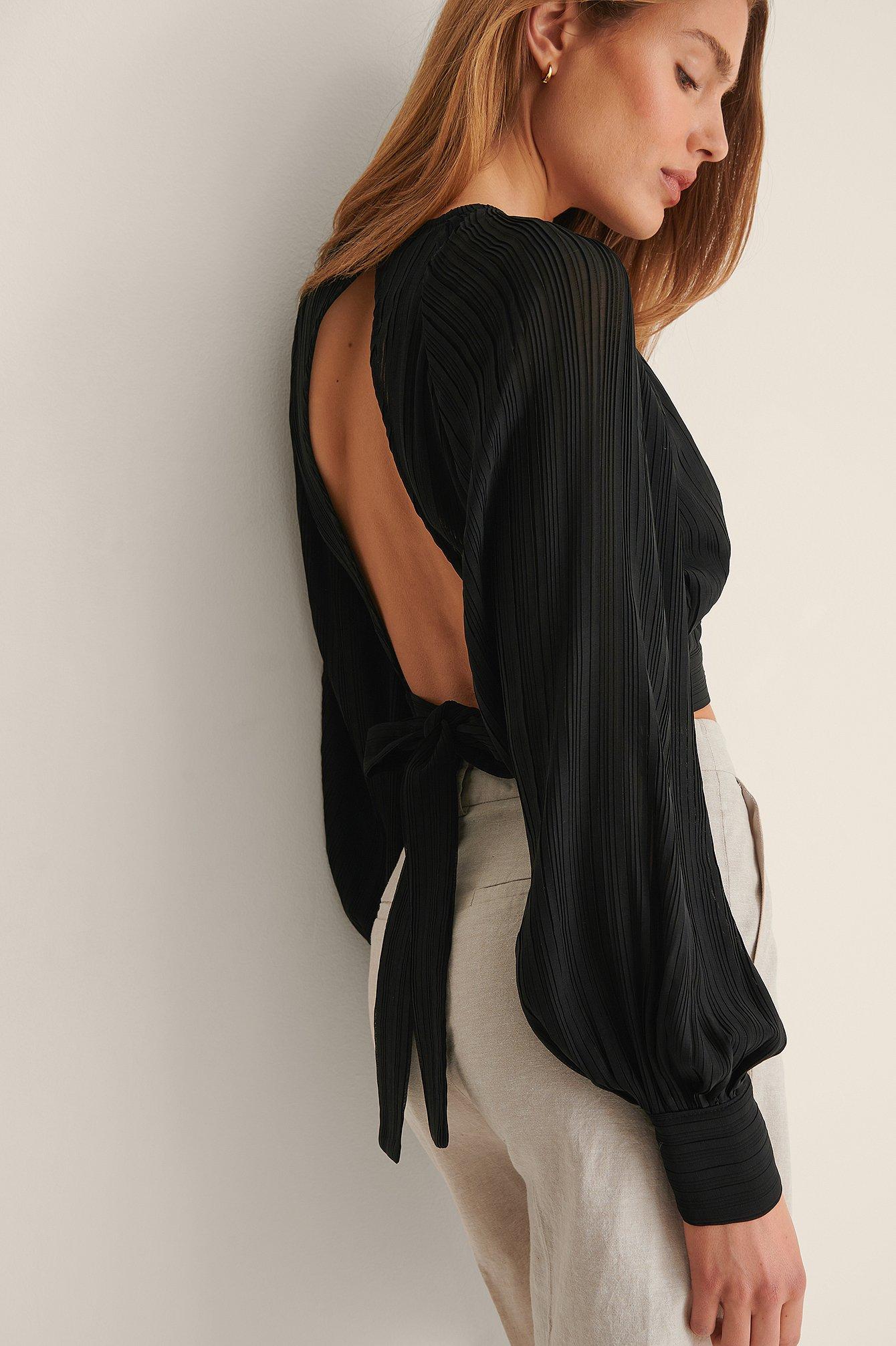 curated styles -  Plissiert Bluse Mit Offenem Rücken - Black