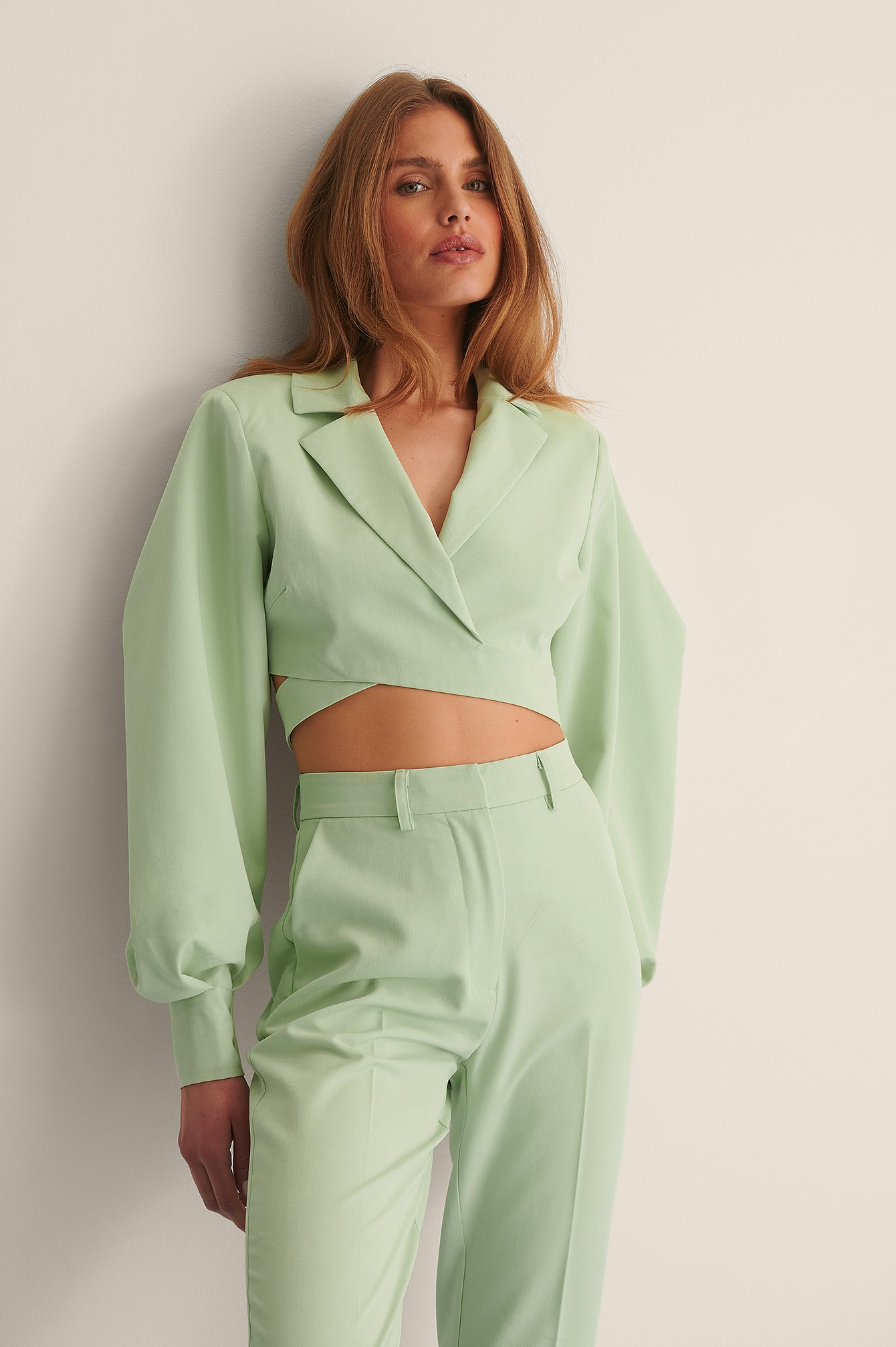 curated styles -  Puffärmel Overlap-Blazer - Green