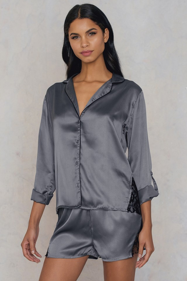 Fedelia satin shirt NA-KD.COM