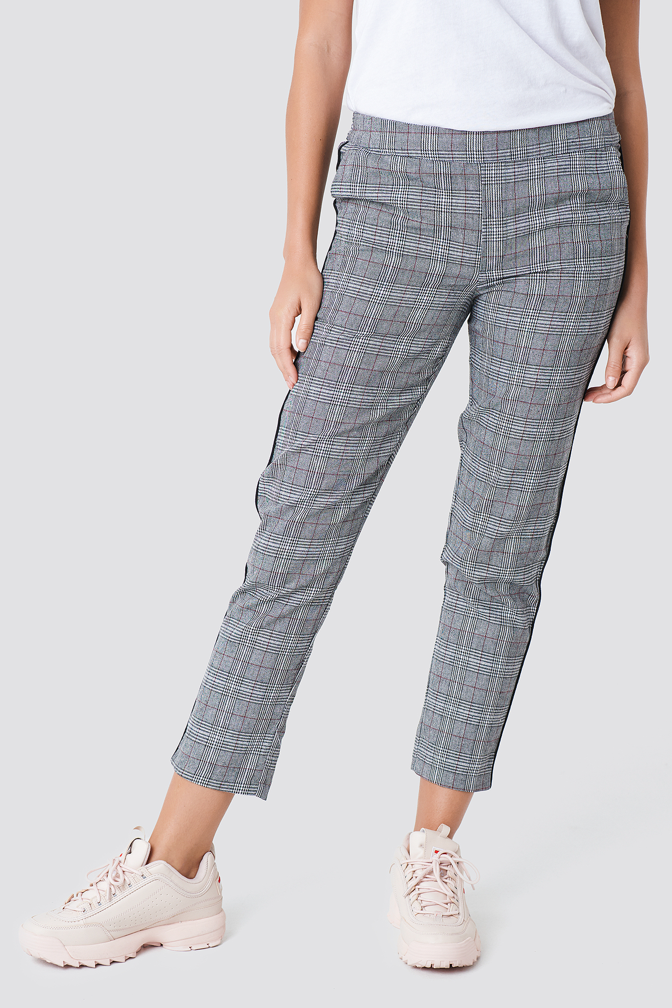 Spodnie w kratkę NA-KD.COM