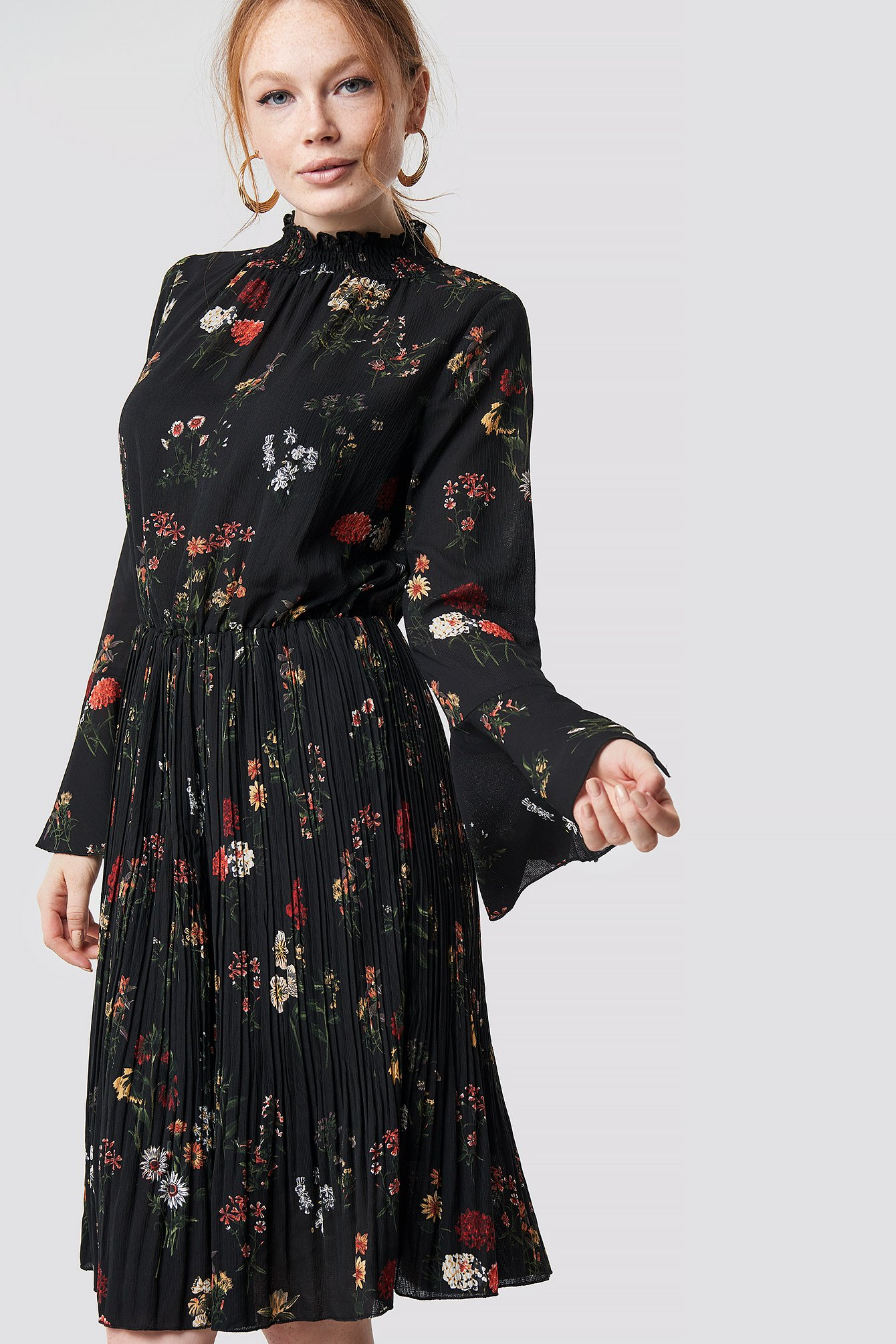 Flower Smock Neck Dress NA-KD.COM