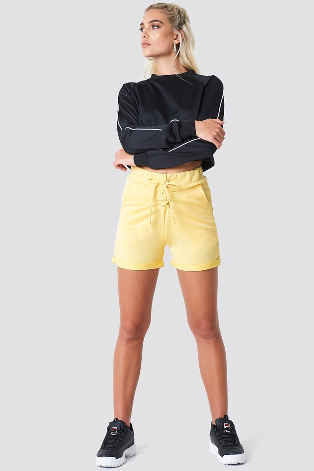 Lace-up Short Yellow