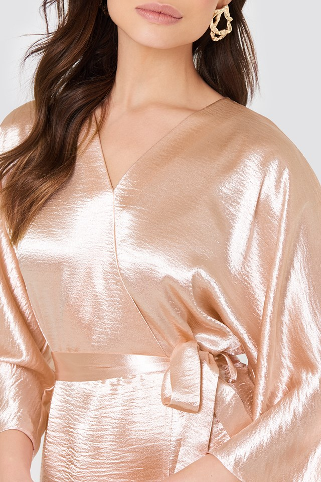 Błyszcząca sukienka Leja Pastel Pink