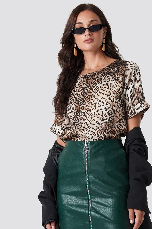 Leo frill sleeve tee Leopard
