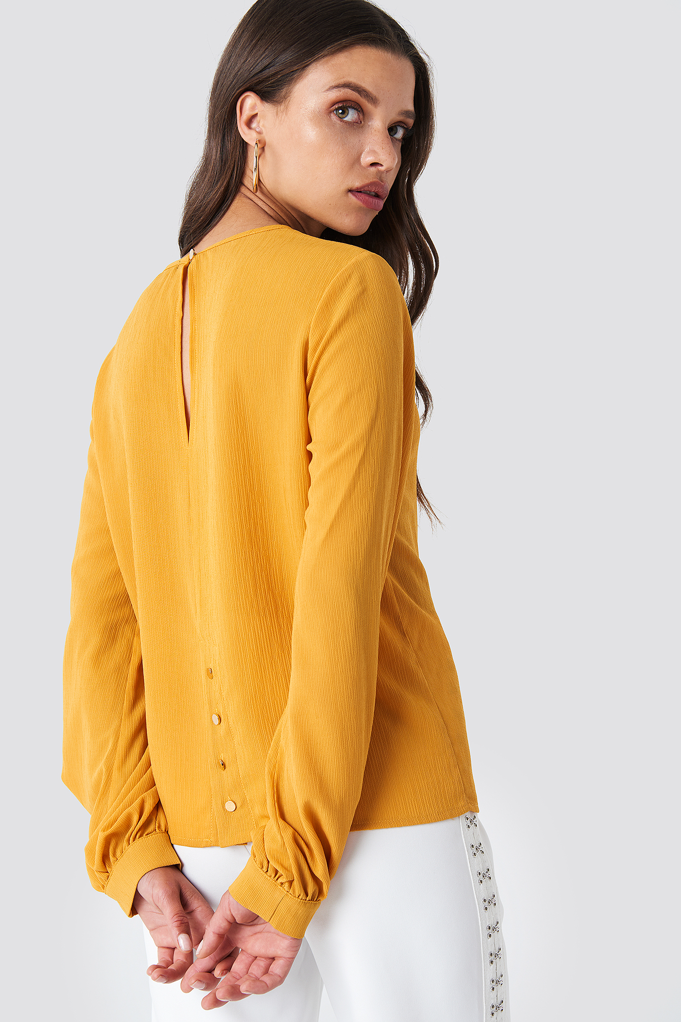 Meta Back Button Blouse  NA-KD.COM