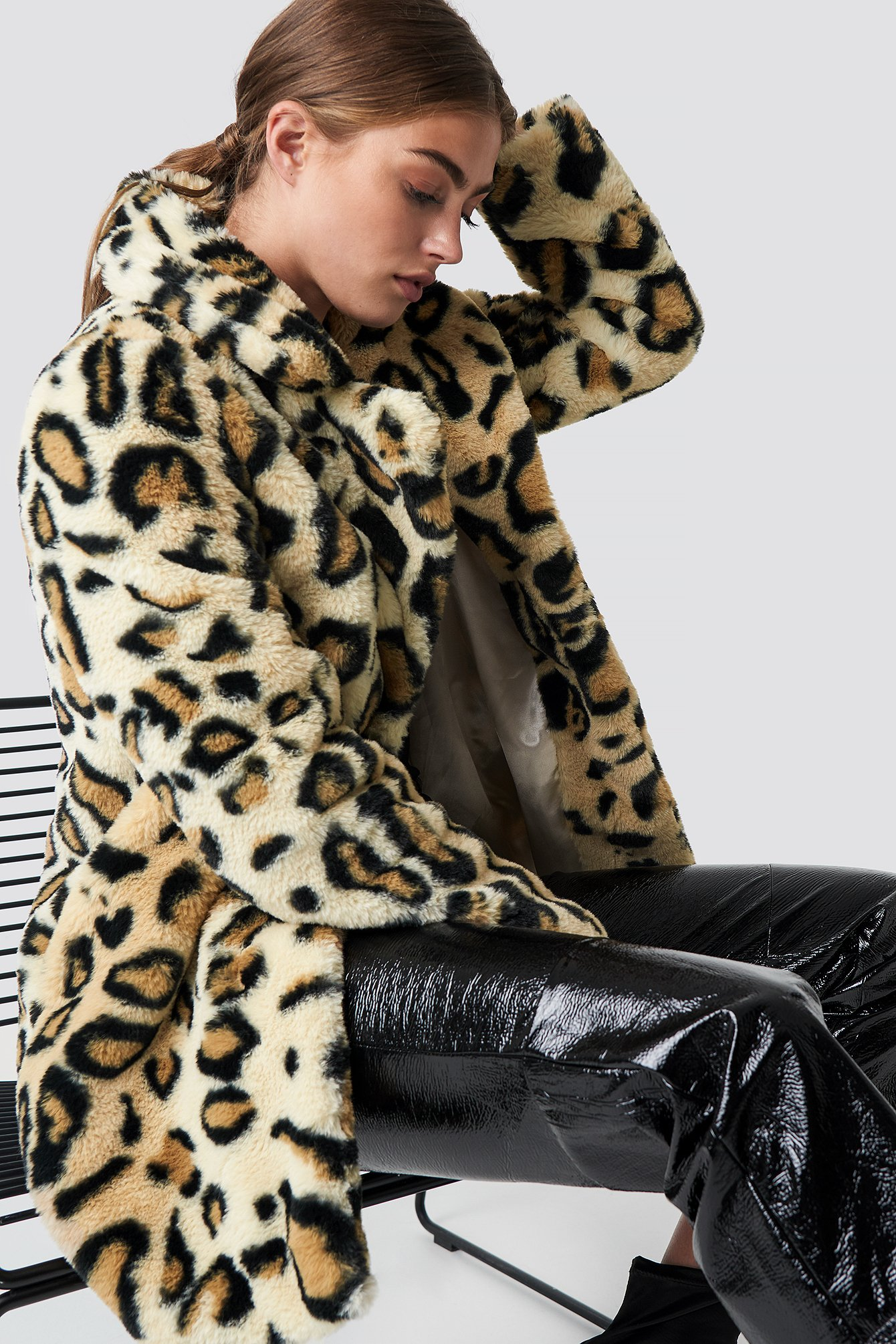 rut&circle -  Nova Faux Fur Leo Jacket - Beige