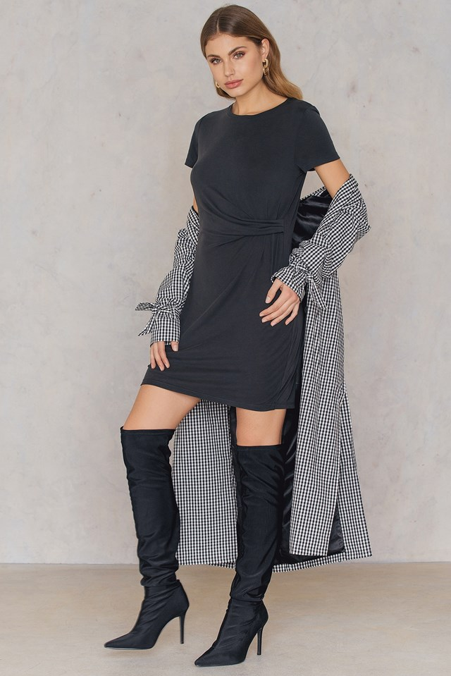 Peachy Dress Black