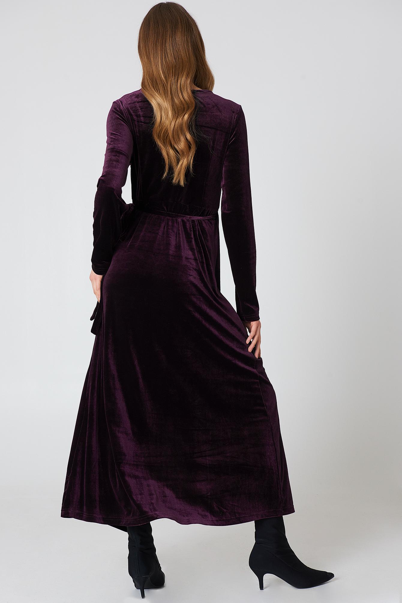 Aksamitna sukienka-płaszcz NA-KD.COM