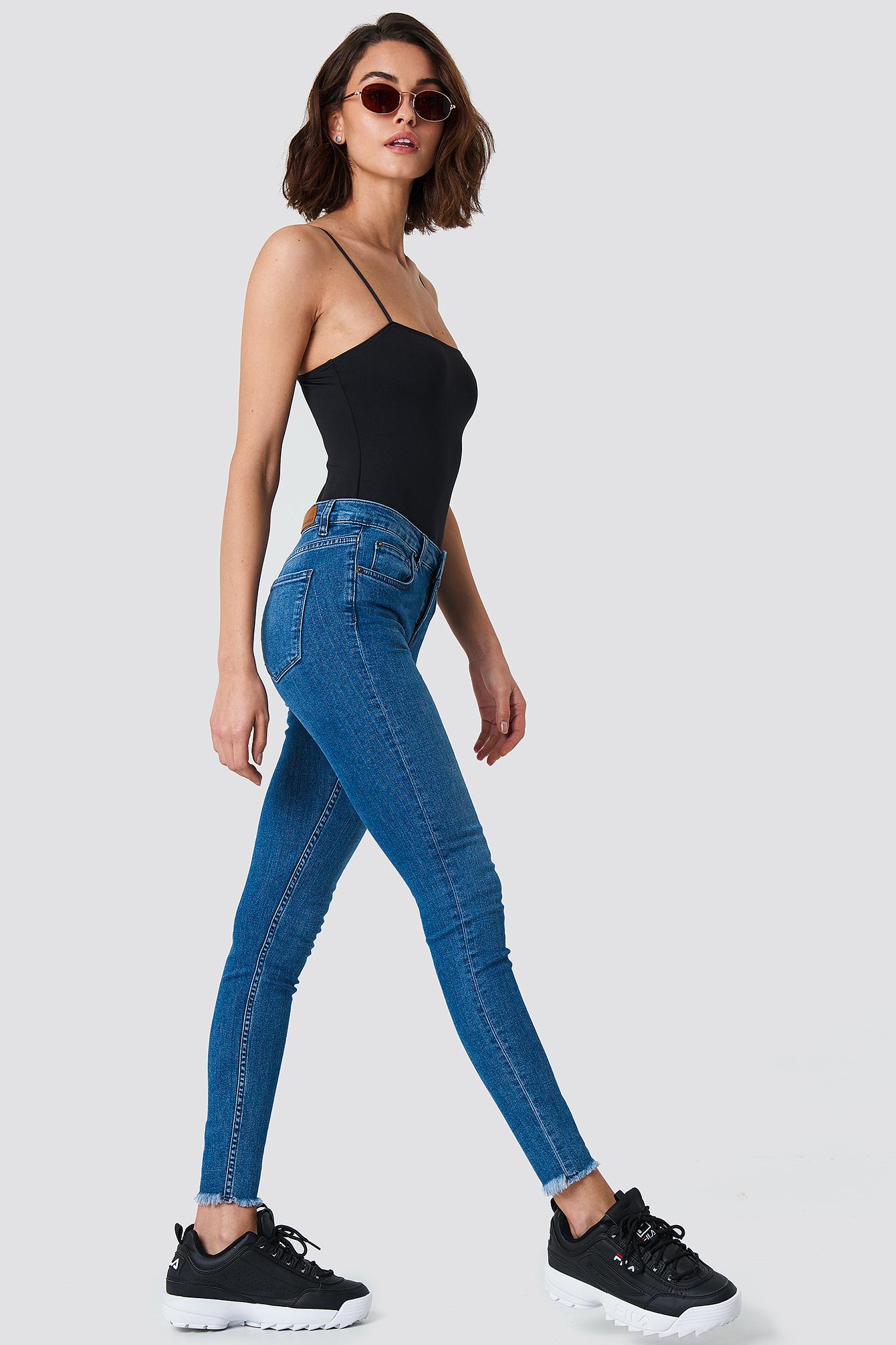 Jeansy Victoria Skinny Dark Blue NA-KD.COM