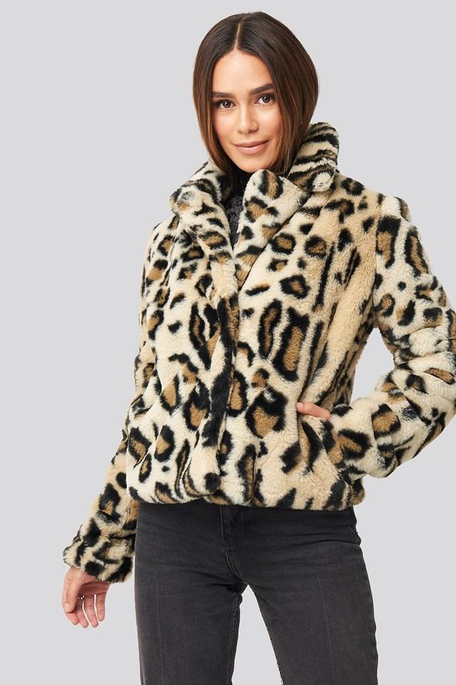Nova Short Faux Fur Jacket Leopard Print