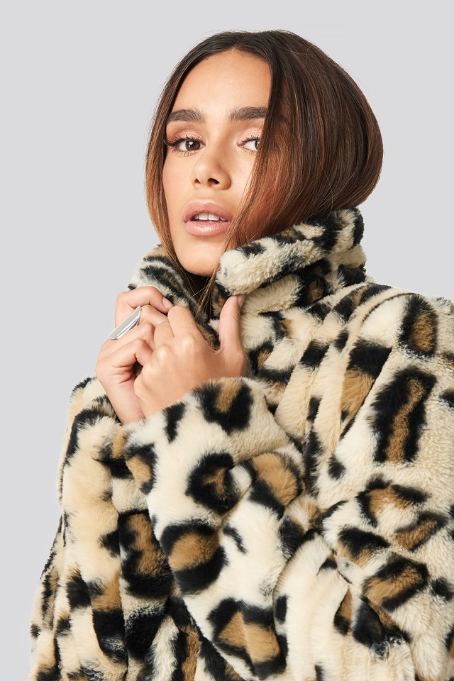 Nova Short Faux Fur Jacket Leopard Print