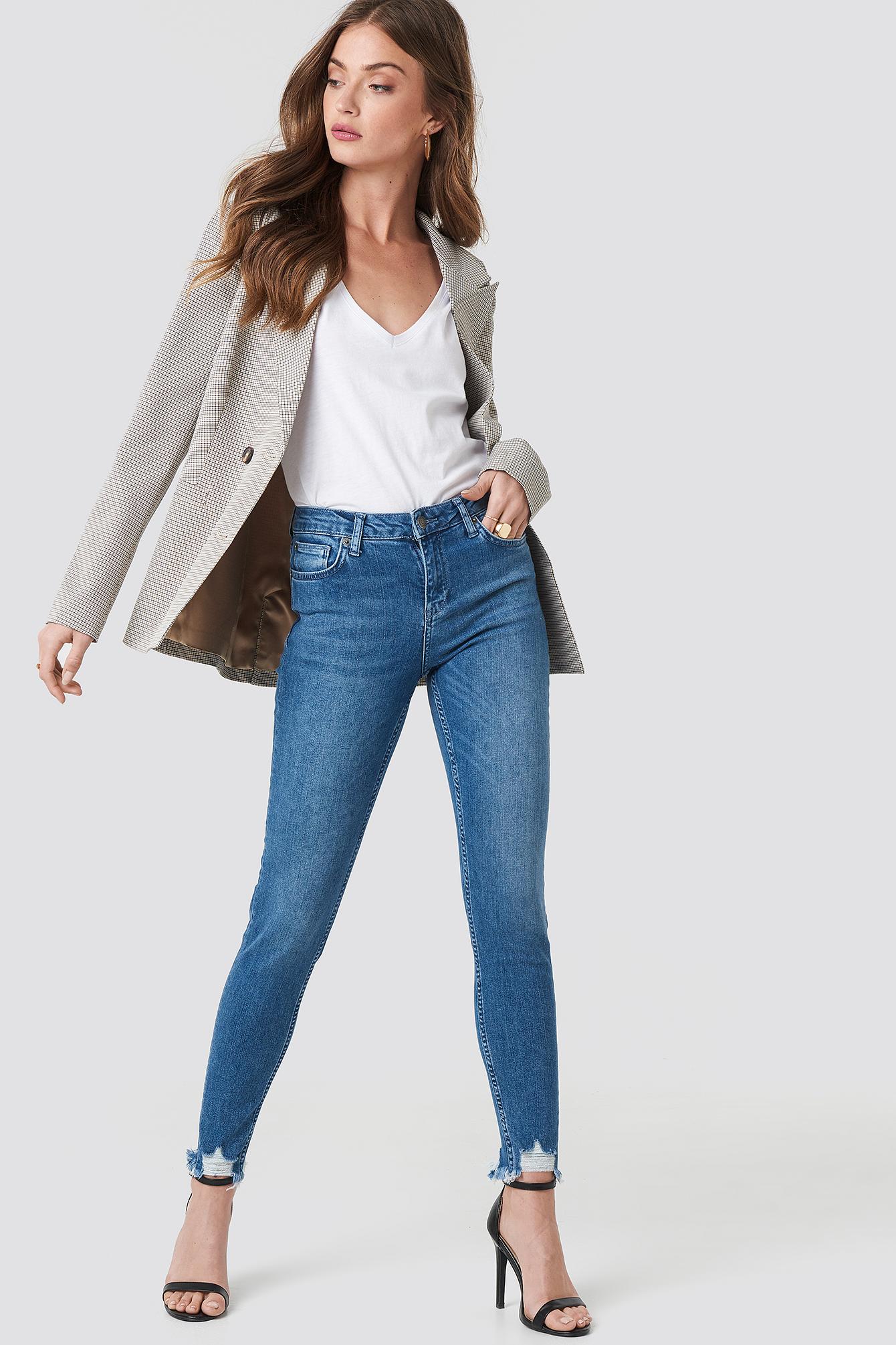 Victoria Destroyed Hem Jeans NA-KD.COM